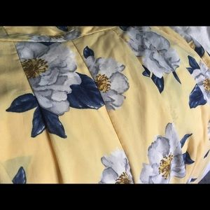 Soft yellow floral jumpsuit w/pockets